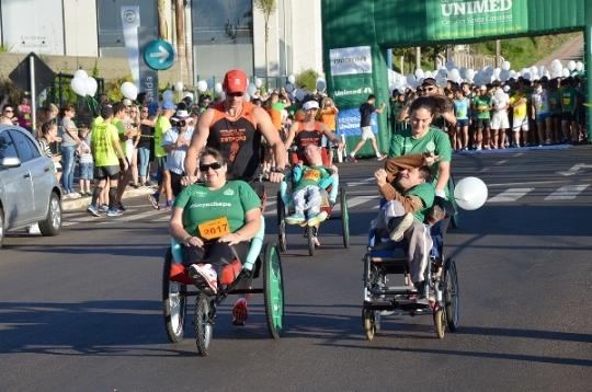 Mil atletas amadores e profissionais participaram da Etapa de Chapecó das Corridas  Unimed – Circuito SC c013f2a72b8