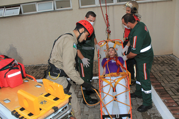 Unimed Maringá promove treinamento de combate a incêndio em sua sede ... 9e4ffca245